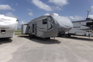 Used 2011 Heartland GREYSTONE 34RB Fifth Wheels