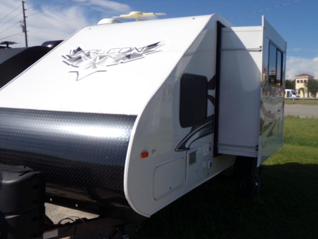 New 2018 Travel Lite Falcon F21RB Travel Trailers